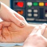 Синусовая тахикардия - это величение числа сердечных сокращений (ЧСС), которые регулируются синусовым узлом